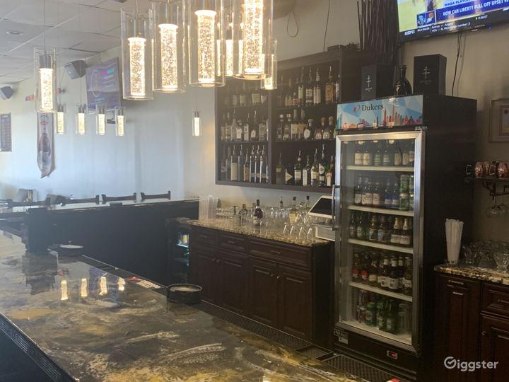 Ritzy Sports Bar Photo 3