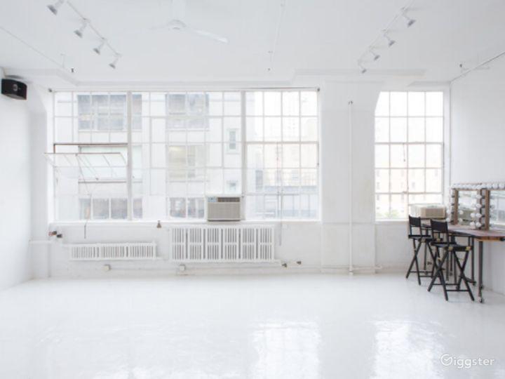 Gorgeous natural light studio in New York Photo 2