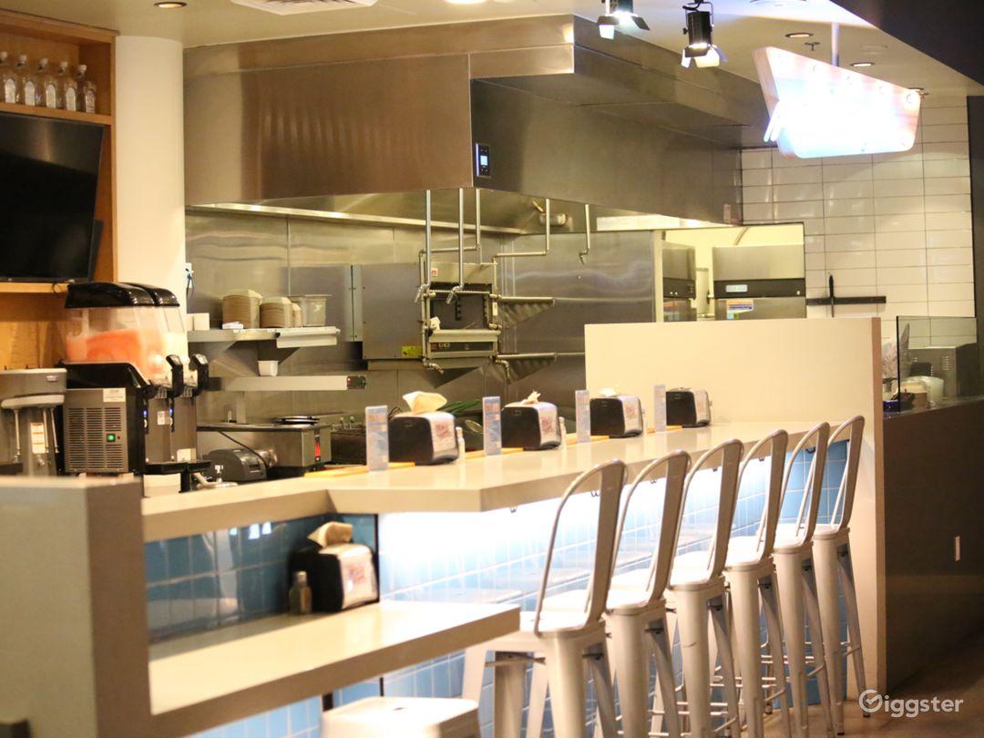 Hollywood restaurant on Hollywood Blvd Photo 2