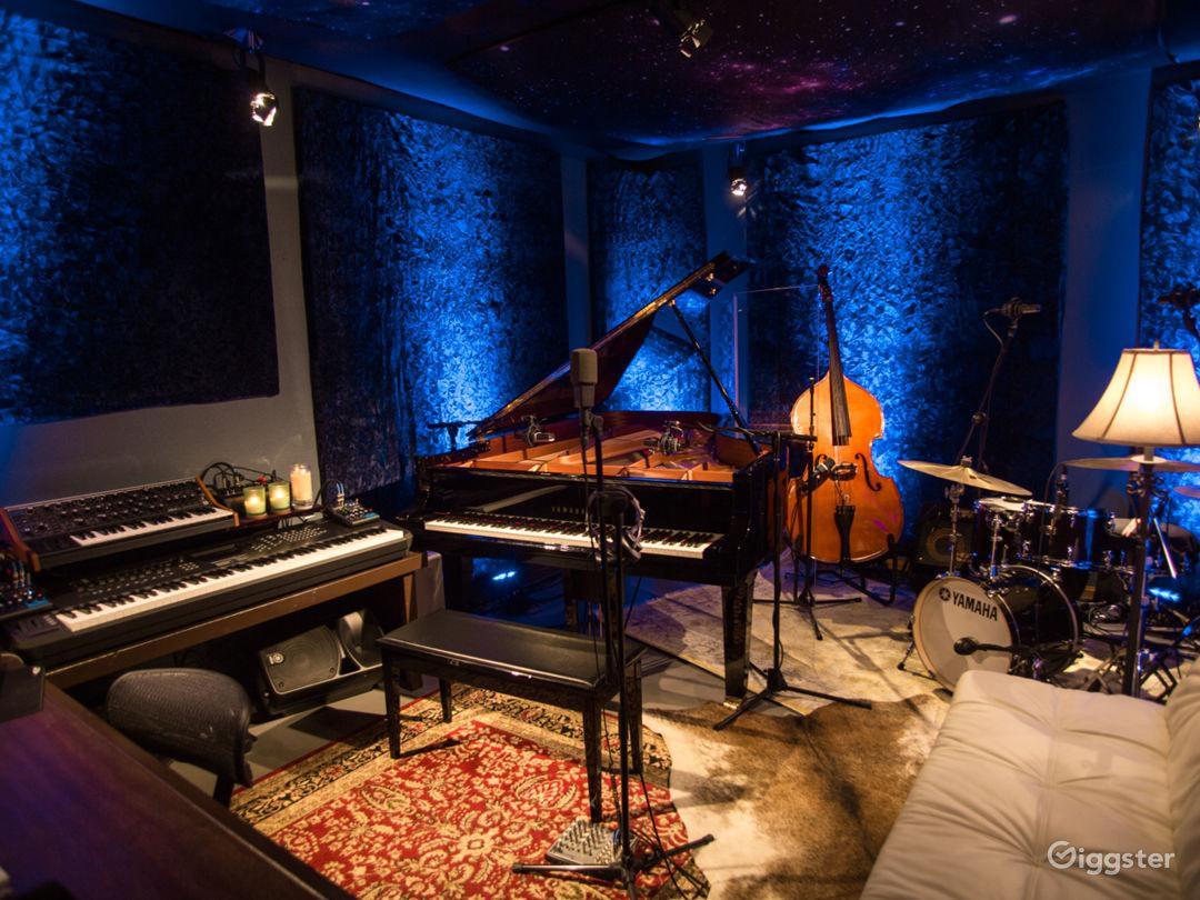 Music Recording Studio With Engineer  Photo 1