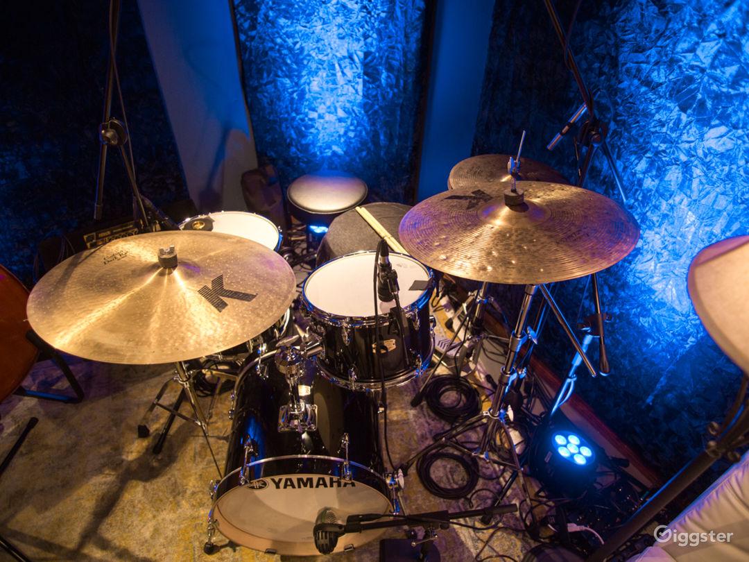 Music Recording Studio With Engineer  Photo 3
