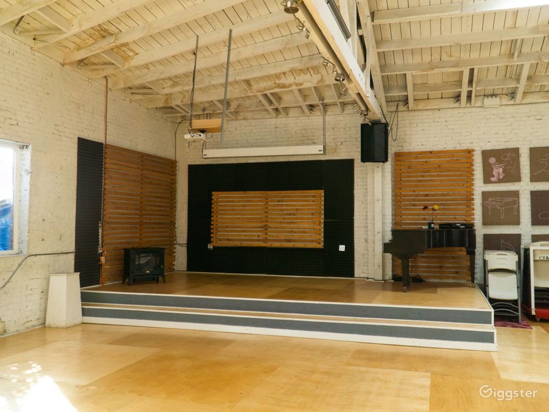 ENTIRE 5,000 sq ft Warehouse Dance Studio Space Photo 5