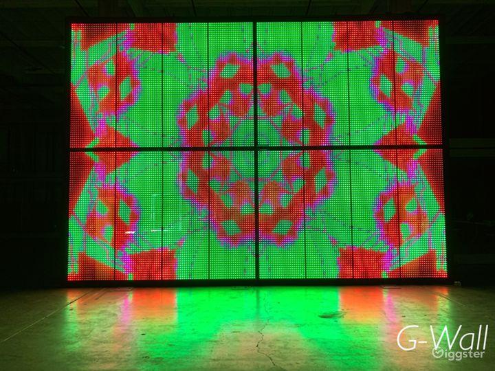 Central LA Warehouse with Multi-Media LED Glass Photo 5