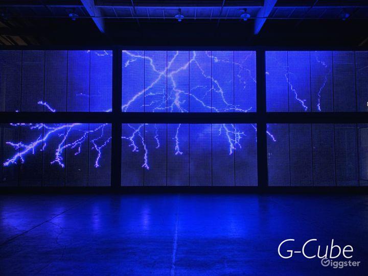 Central LA Warehouse with Multi-Media LED Glass Photo 2