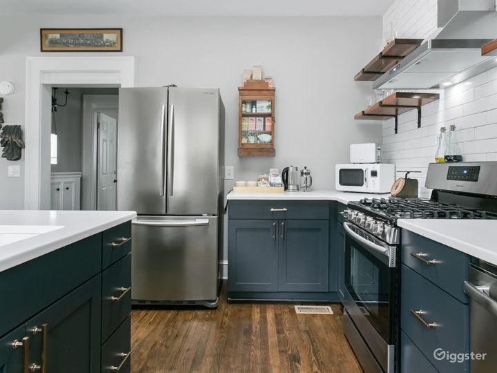 Luxe Renovated 1920s Bungalow in Candler Park Photo 3
