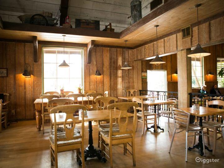 Cozy Café in Encino Photo 4