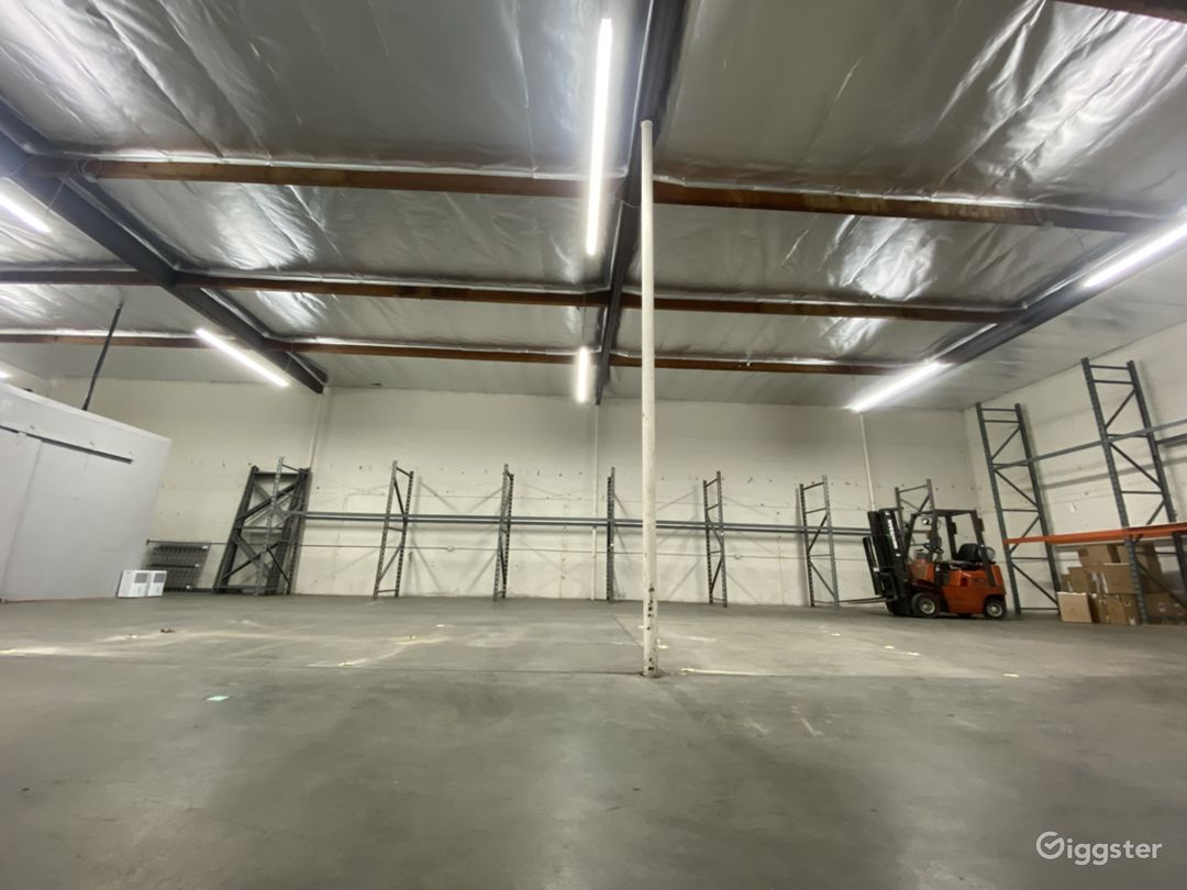 Industrial/Rustic Warehouse Building Photo 1