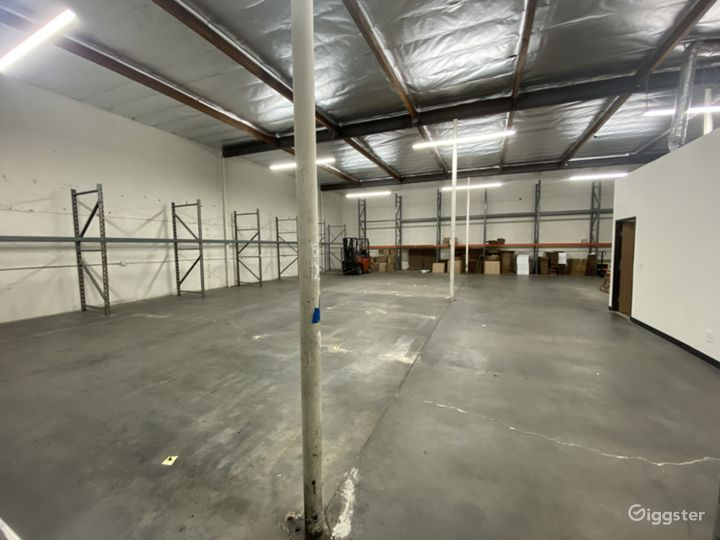 Industrial/Rustic Warehouse Building Photo 2