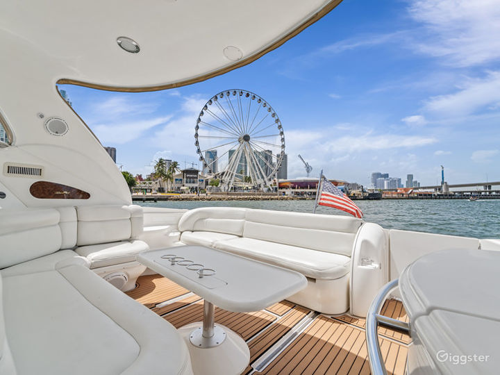 Opulent 54ft SEA RAY DUFFY'S Party Yacht Space Events Photo 5