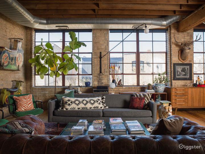Large Logan Square Loft Space Photo 2
