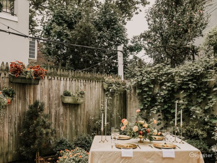 Charming Backyard in the Heart of Cobble Hill Photo 4