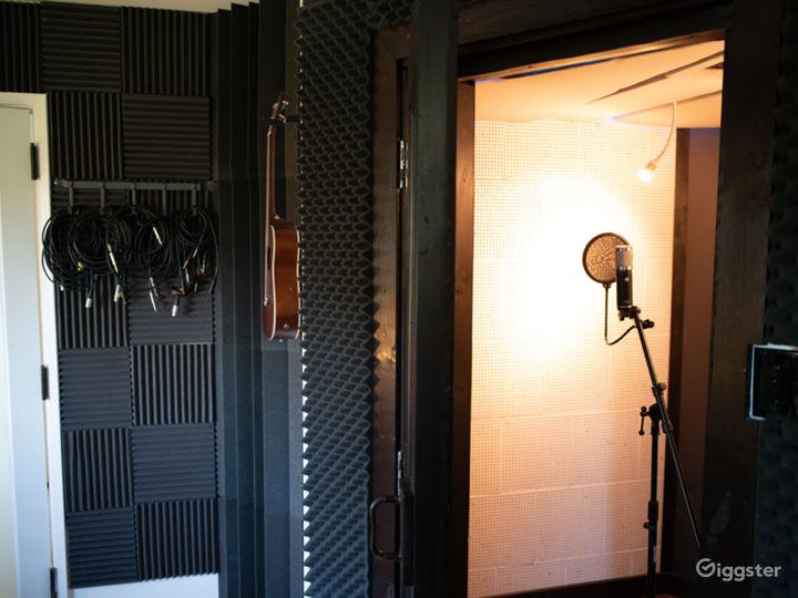 Unique 1921 Home and Recording Studio Photo 4