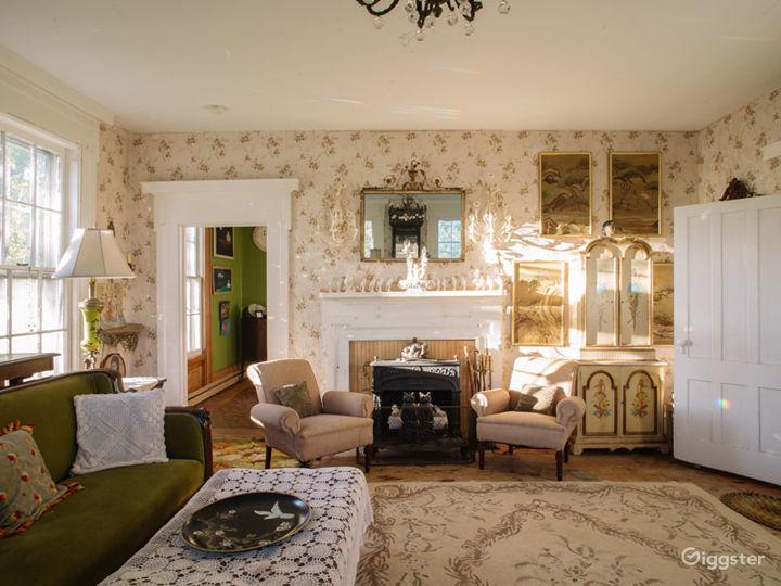 Historic Victorian home: Location 5274 Photo 2