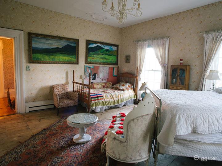 Historic Victorian home: Location 5274 Photo 4