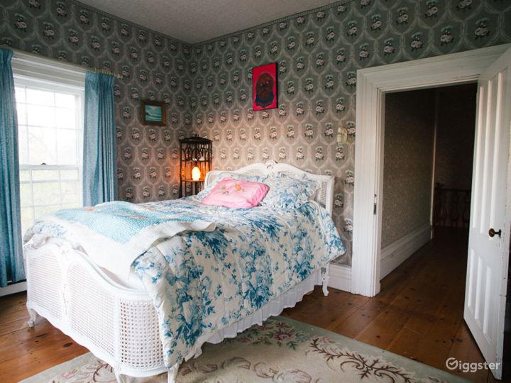 Historic Victorian home: Location 5274 Photo 5