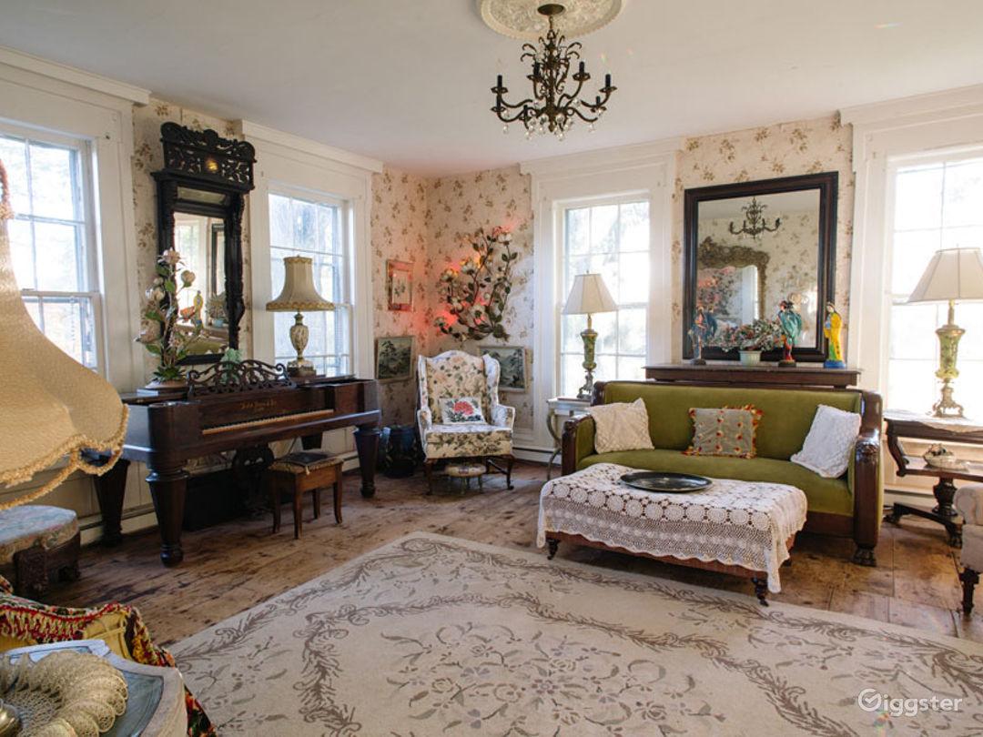 Historic Victorian home: Location 5274 Photo 1