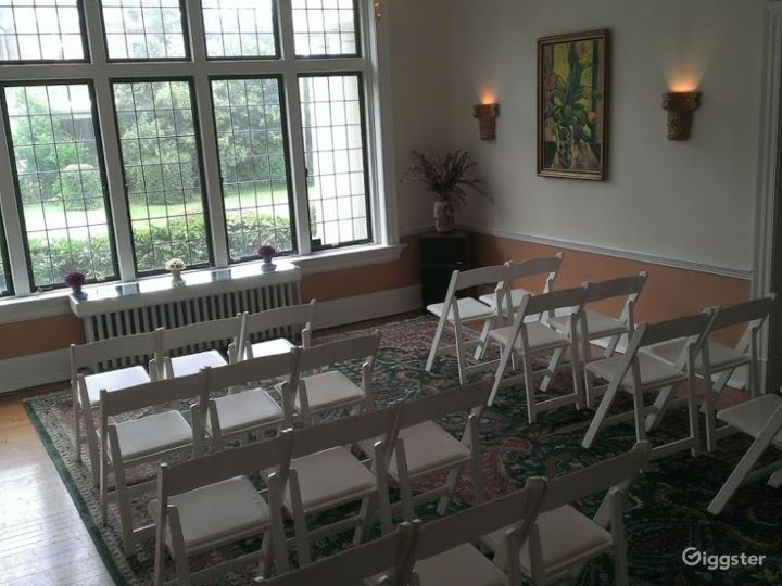 Charming and Cozy Indoor Location in Durham Photo 2