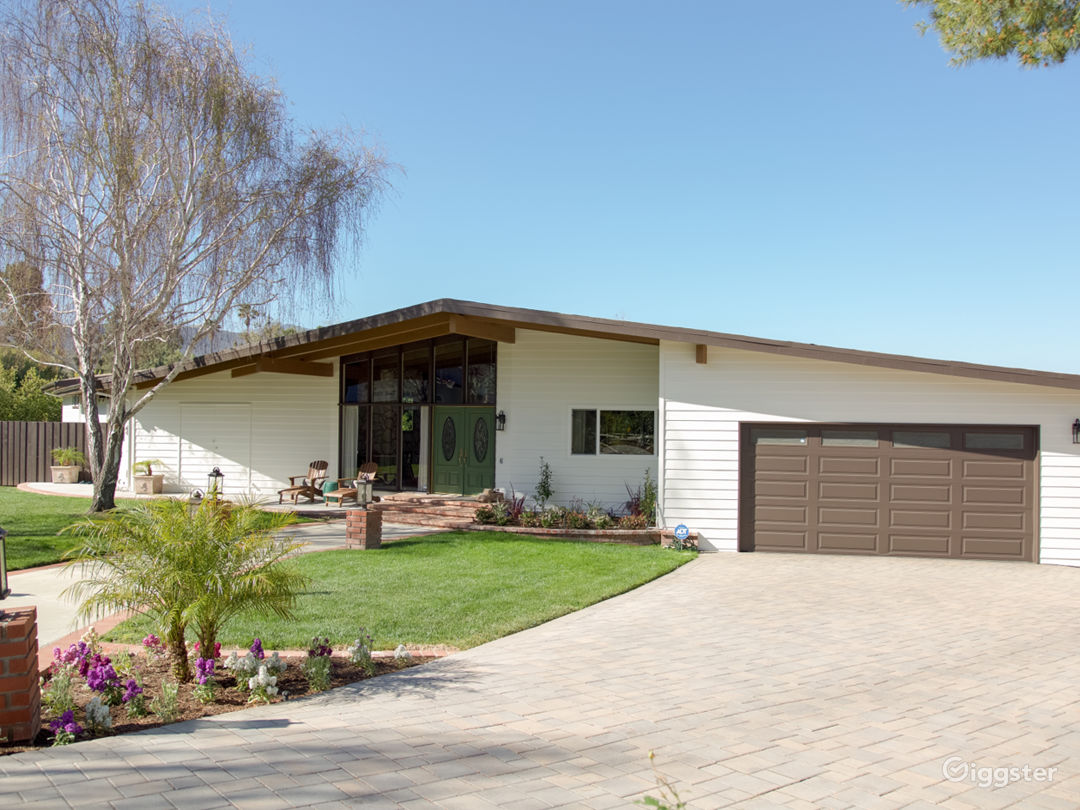 Eichler Designed Midcentury Ranch Home with Stable Photo 1
