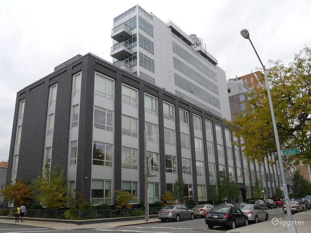 Modern 3BR Penthouse in Brooklyn Photo 5