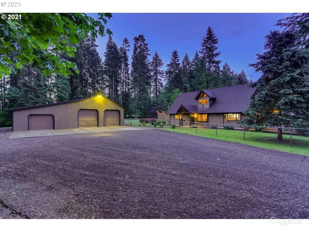 Well Maintained Farm House in Washington  Photo 1