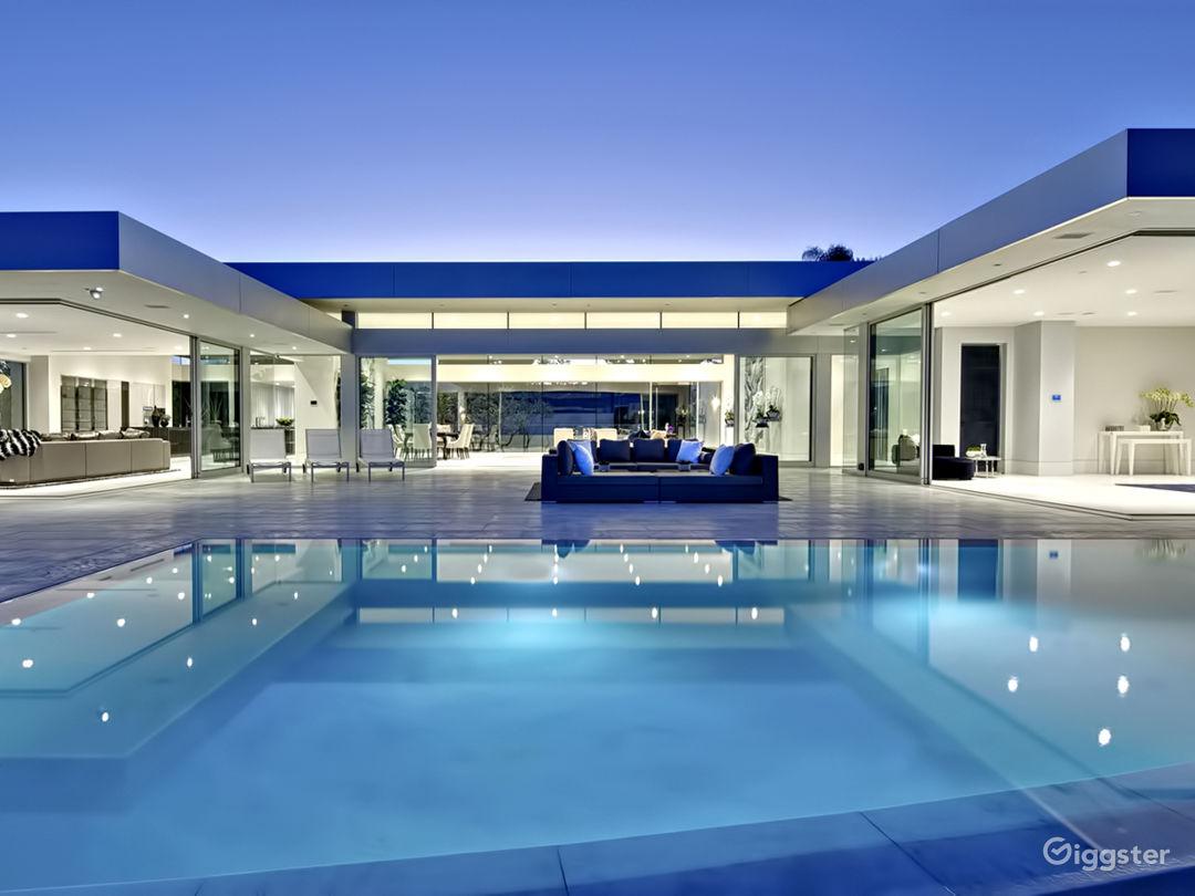 Ultra Modern Design Beverly Hills Mansion Photo 1