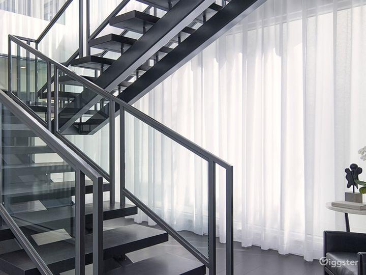 Ultra Modern Design Beverly Hills Mansion Photo 5