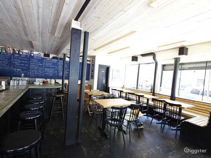 Bar/restaurant: Location 5038 Photo 2