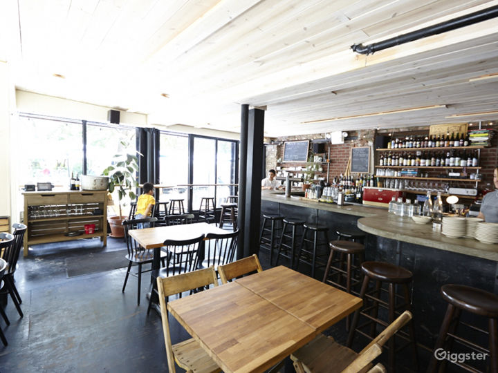 Bar/restaurant: Location 5038 Photo 4