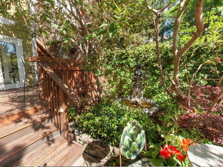 Delightful Garden Deck in San Francisco Photo 3