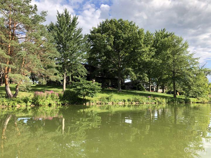 Mid-Century Modern Lake Home Photo 3