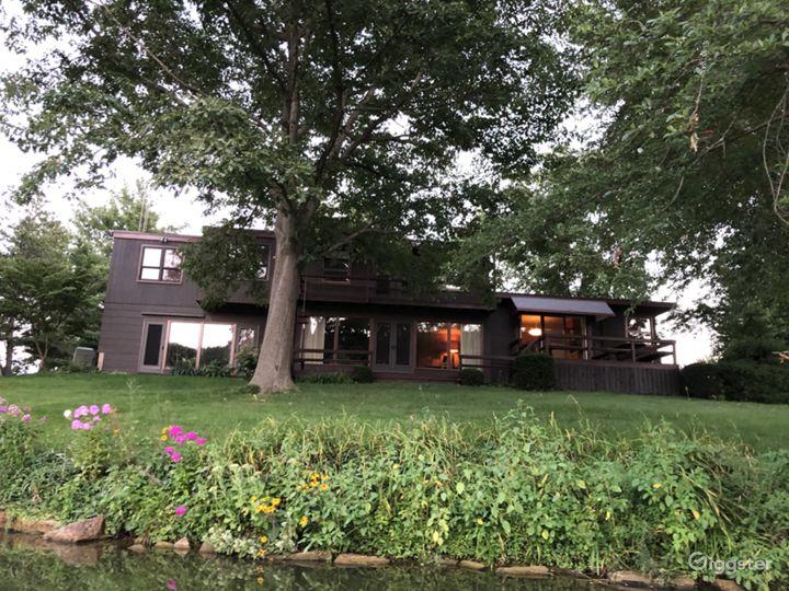 Mid-Century Modern Lake Home Photo 2