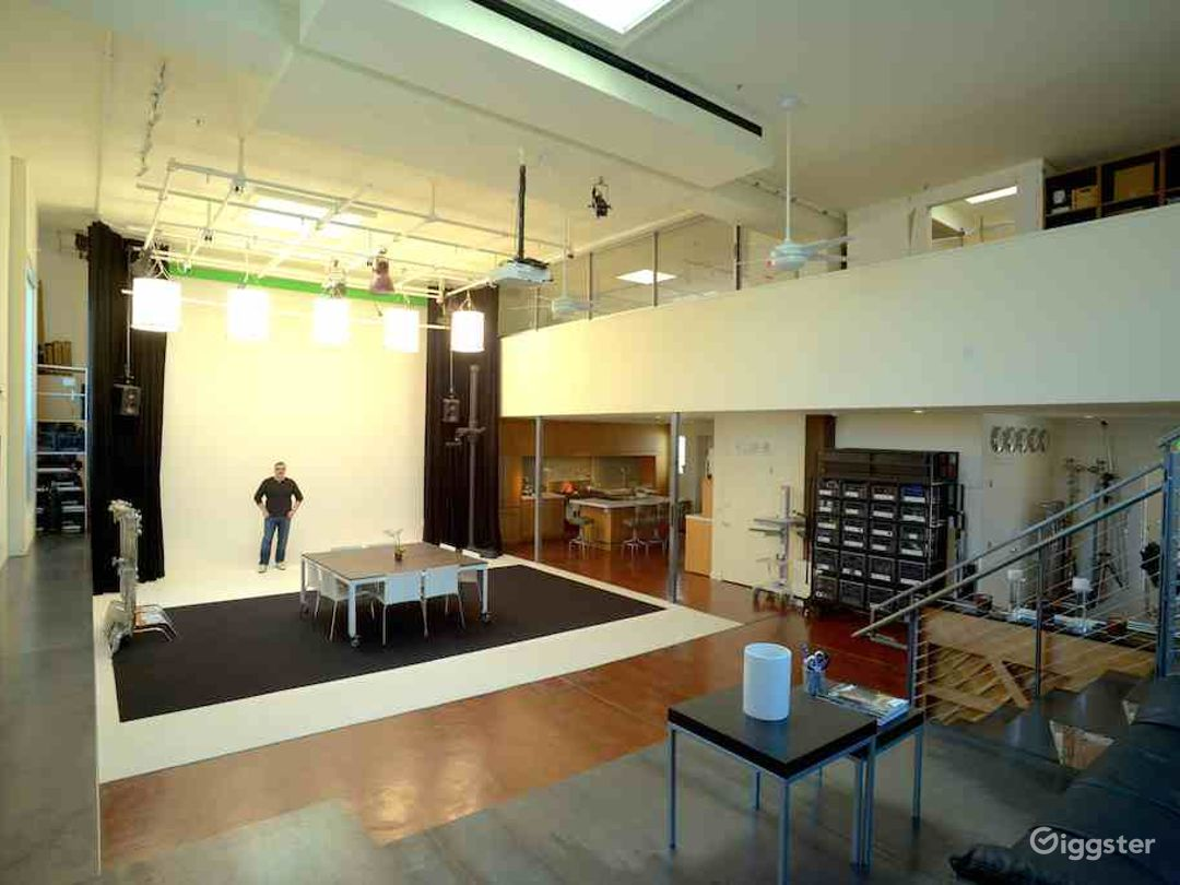 THE MEETING LOFT SF: Full-service & versatile  Photo 1