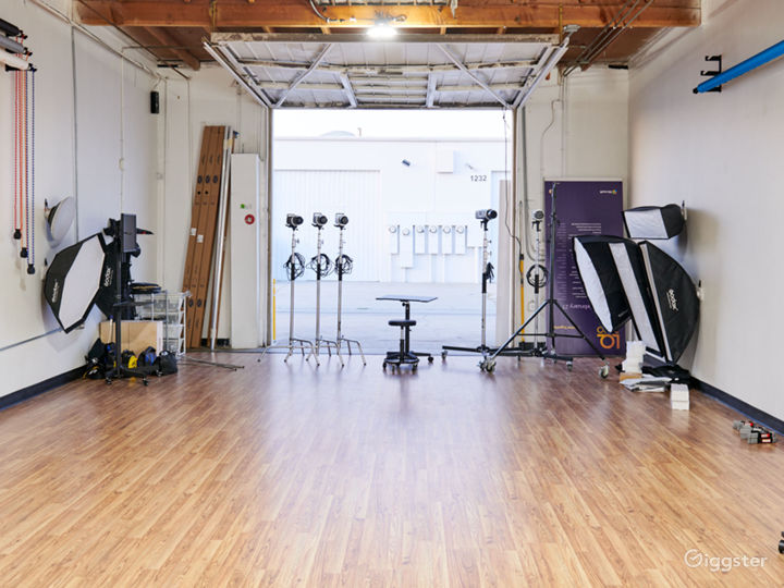 Spacious and Fully-Equipped Private Photo Studio