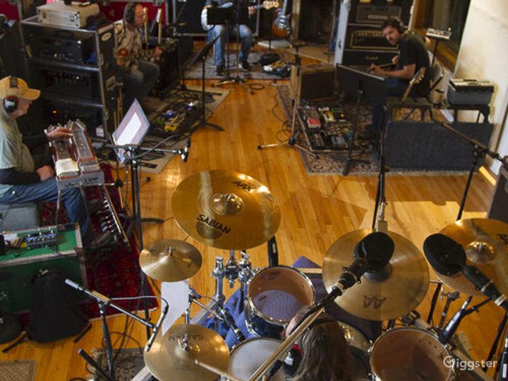Historic Castle Recording Studio B in Franklin Photo 3