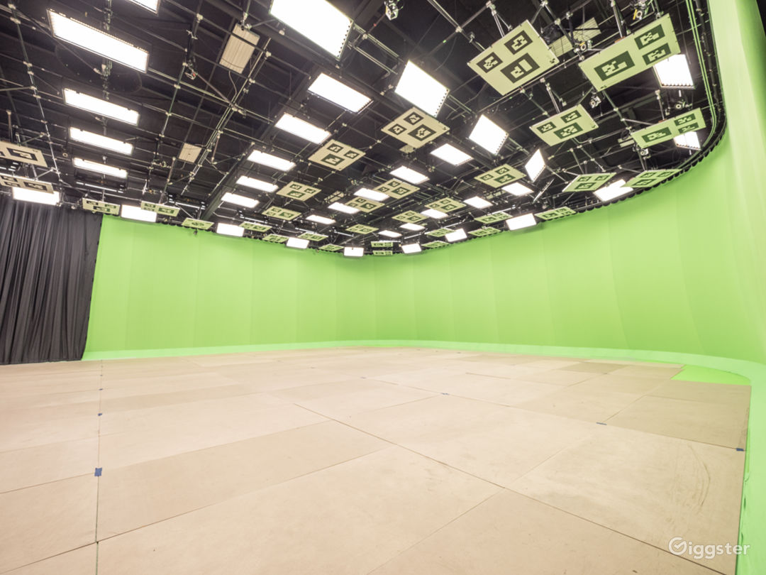 Beautiful Sound Stage Facility Photo 2