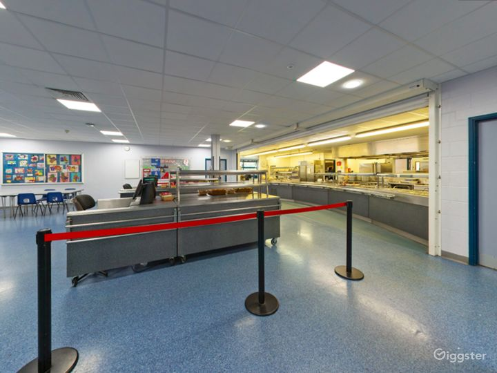 Bright Refectory in London Photo 3