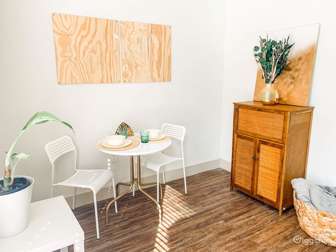 CHIC Boho Eclectic Studio Space  Photo 1