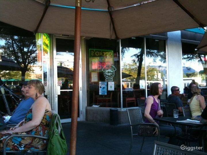 Fun Outdoor Patio with Good Bar Food Photo 4