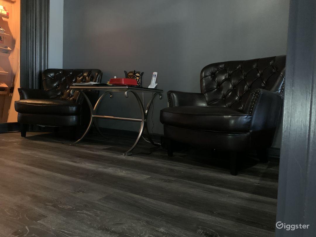 Smoke/cigar room intimate setting