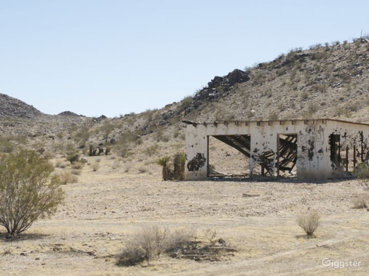 The Villa - abandoned homestead cabin