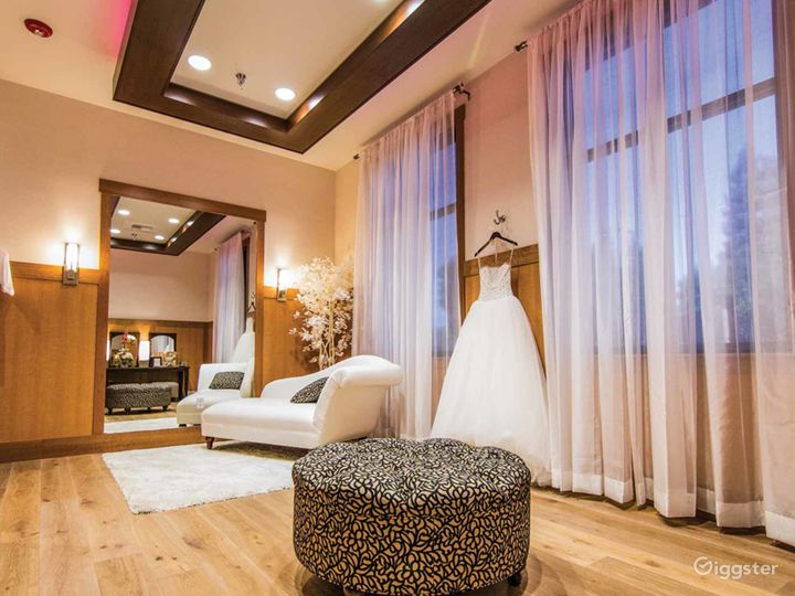 Modern and Elite Wedding Buy-out Venue in Fresno Photo 4