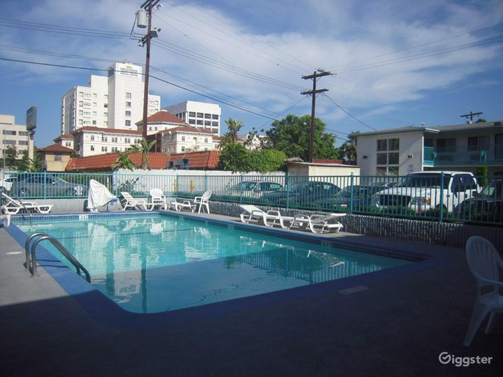 Outdoor Pool in LA Photo 4