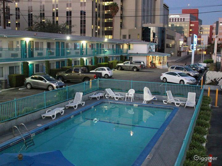 Outdoor Pool in LA Photo 3