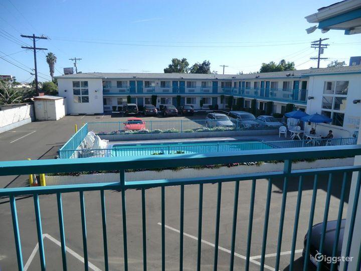 Outdoor Pool in LA Photo 5