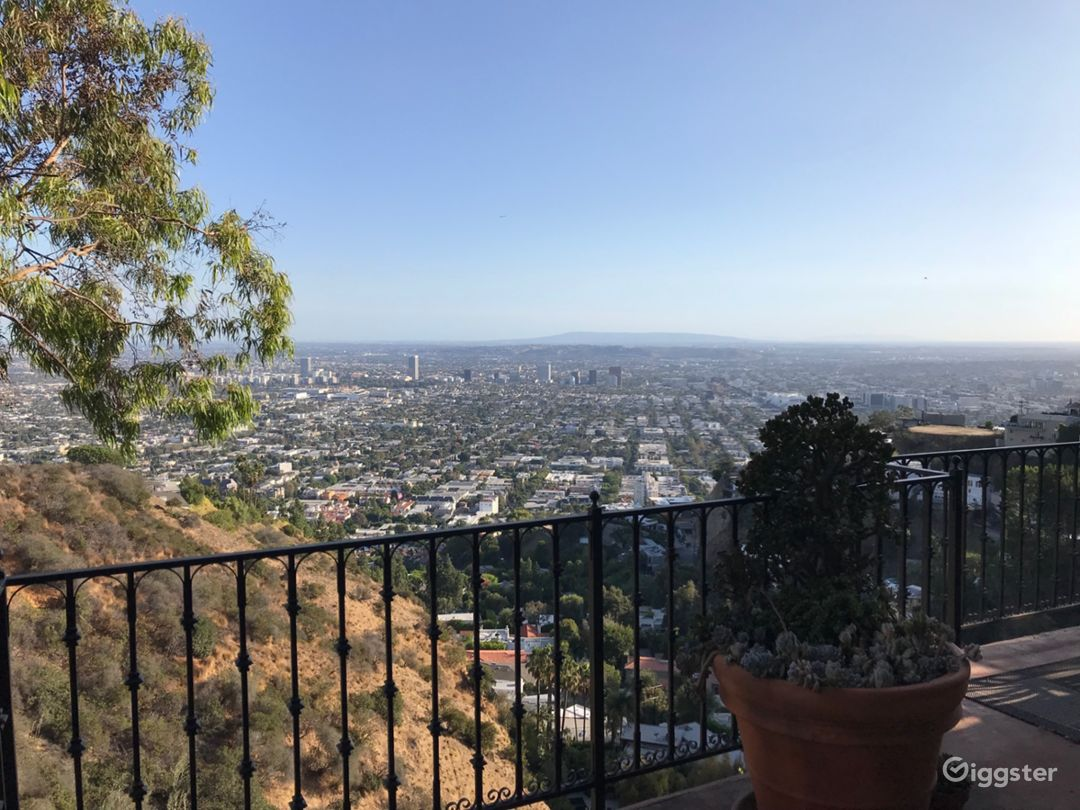 Hollywood Hills Amazing City Views Photo 1
