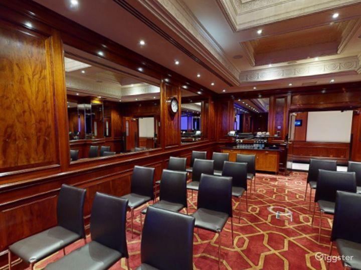 Medium-sized Private Room 32 in London, Heathrow Photo 5