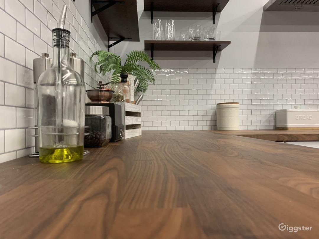 Medium Studio Kitchen Set Photo 5