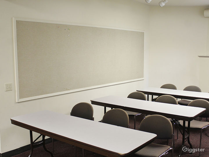 Two Intimate Meeting Rooms within Historic Oakland Park Photo 3
