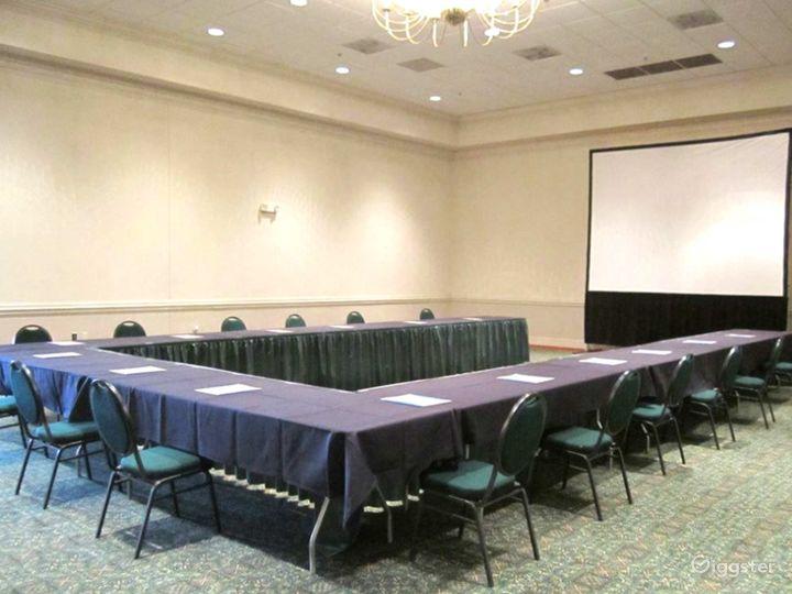 Snug Meeting Room in Fredericksburg