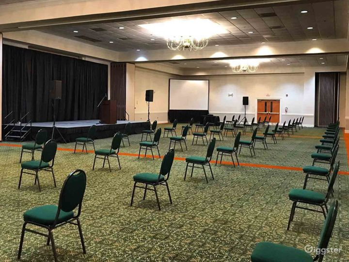 Snug Meeting Room in Fredericksburg Photo 2